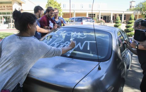"Students prepare for homecoming with ""Paint My Ride"""