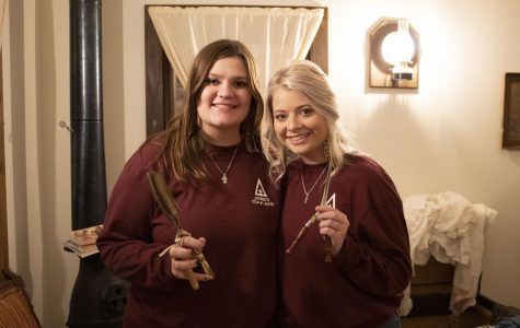 Freshmen Vendie Endres, advertising and public relations major, and Cassidy Schnieder, agricultural media and communications major, presented their artifact, the curling iron.